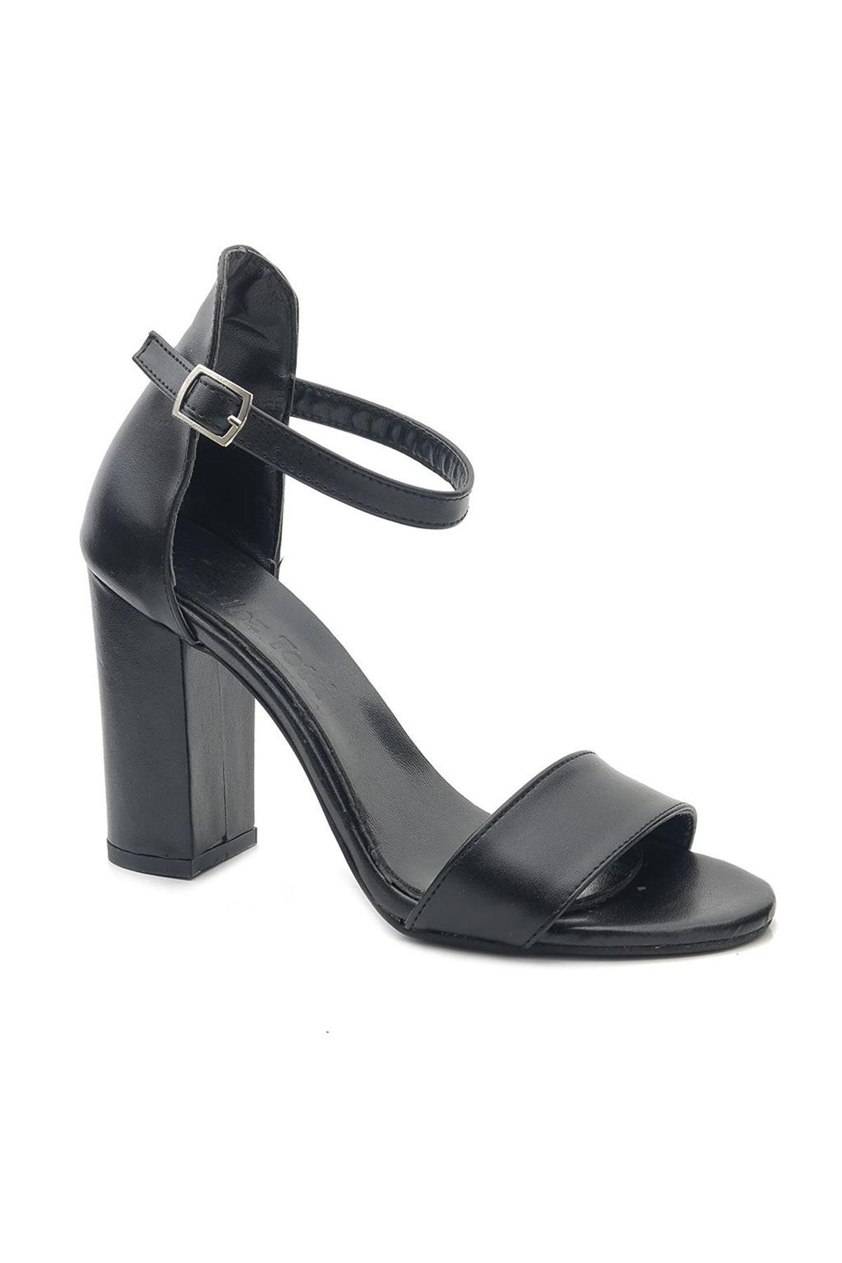 Totti Yüksek Kare Topuk Kadın Sandalet Ayakkabı